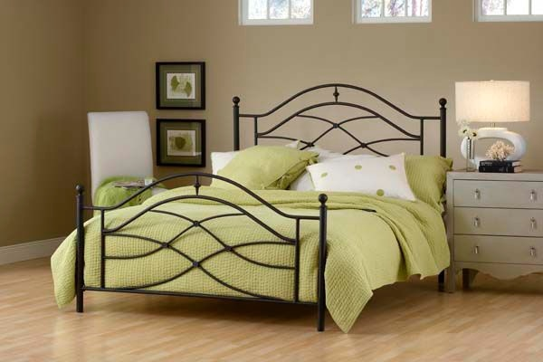 Hillsdale Furniture Cole Bed Set   Full   Rails Not Included 1601 460