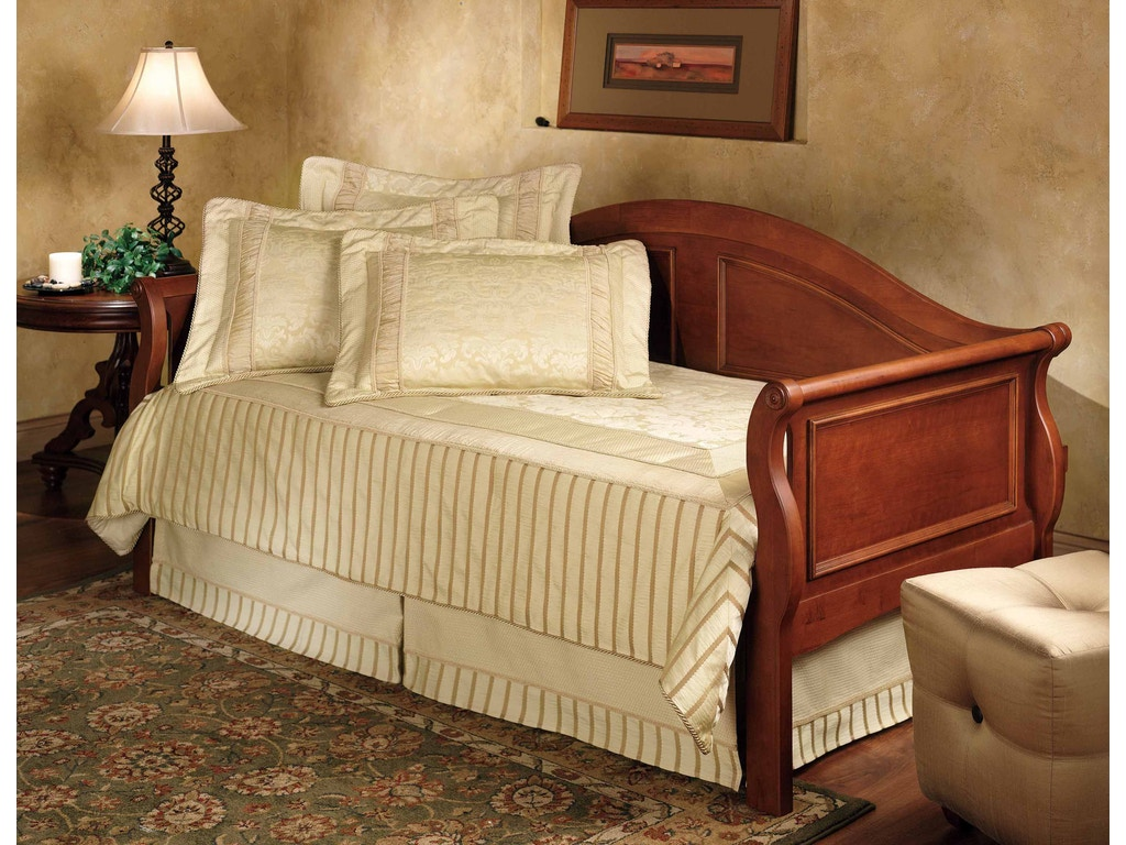 Hillsdale furniture bedroom montgomery daybed with trundle for Furniture 124