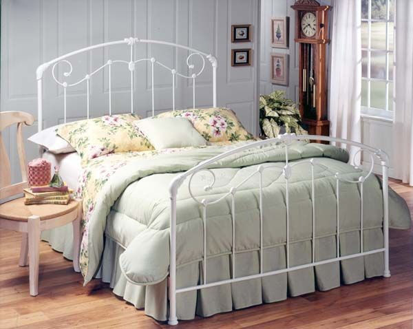 Hillsdale Furniture Maddie Headboard   Full/Queen   Rails Not Included  325 49