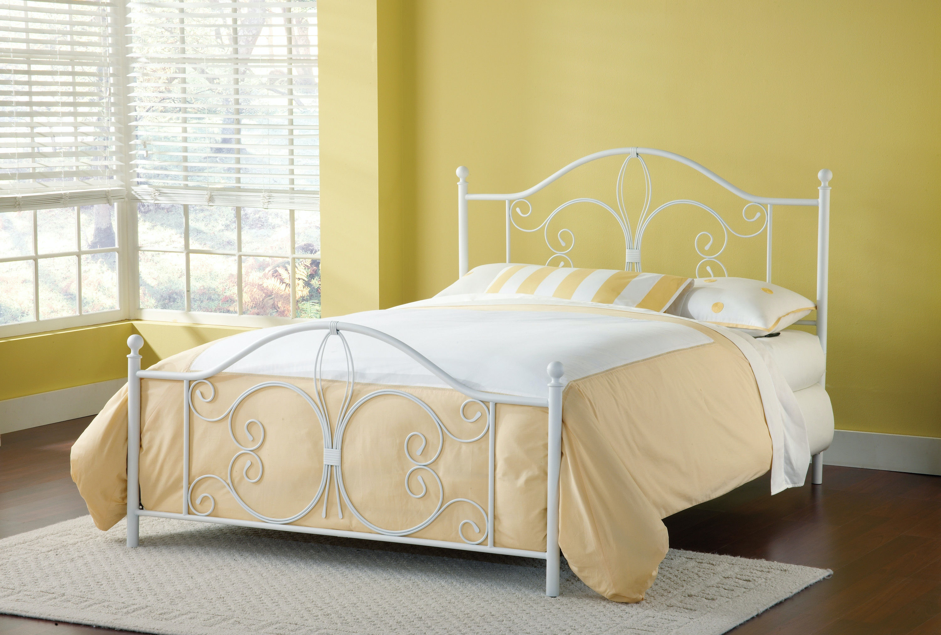 Hillsdale Furniture Bedroom Ruby Bed Set   Queen 1687 500   Furniture  Kingdom   Gainesville, FL
