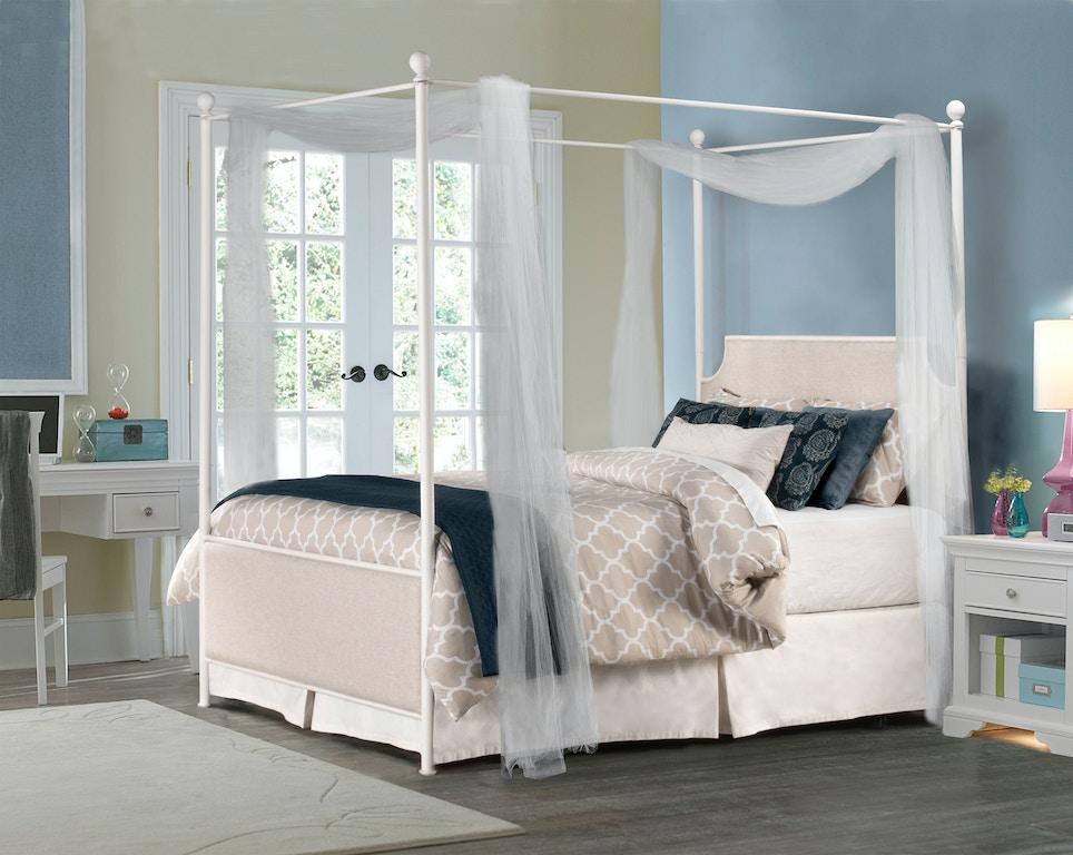 Mcarthur Canopy Bed Set