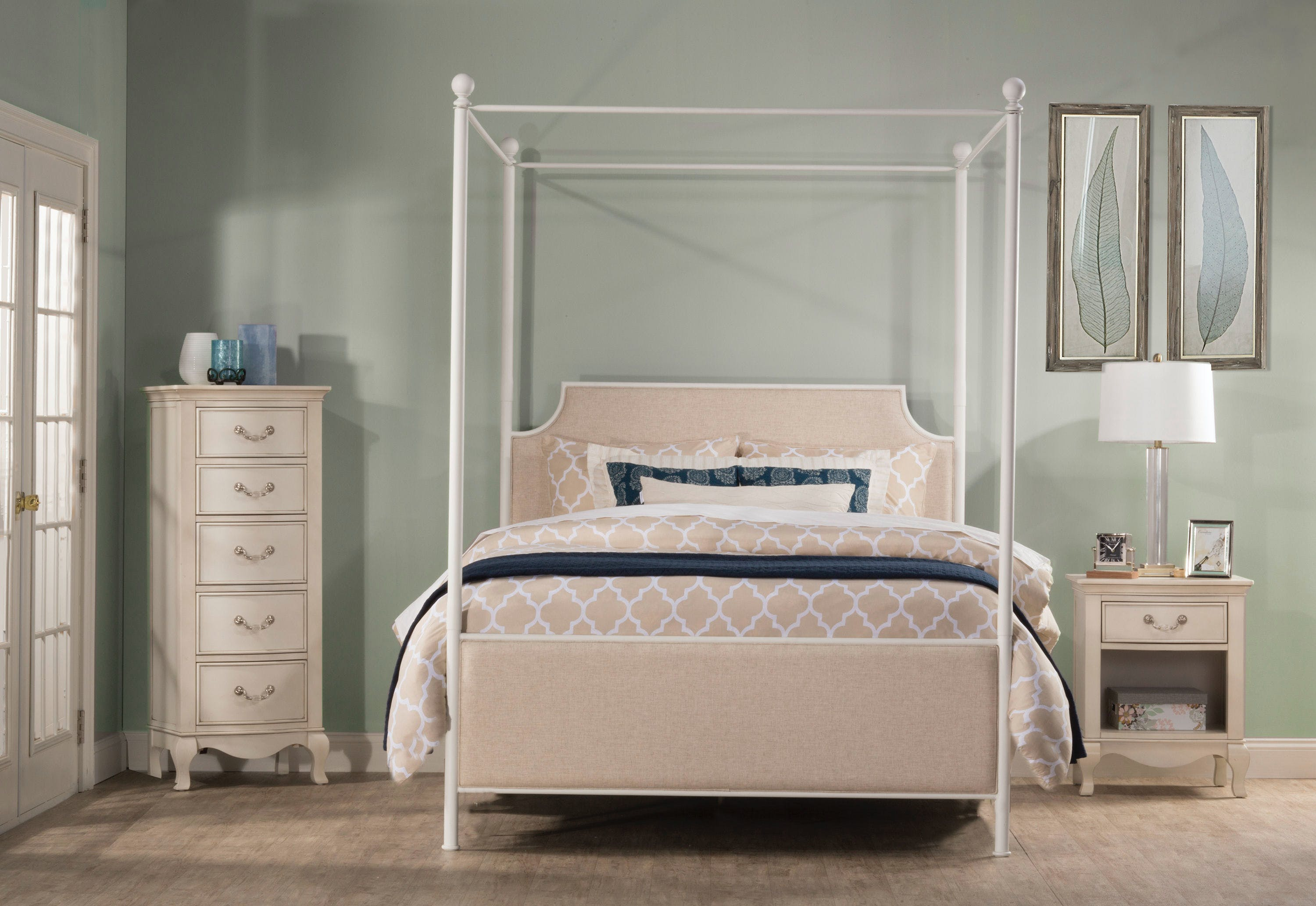 Hillsdale Furniture Bedroom Mcarthur Canopy Bed Set Off White Finish Queen Bed Frame Included