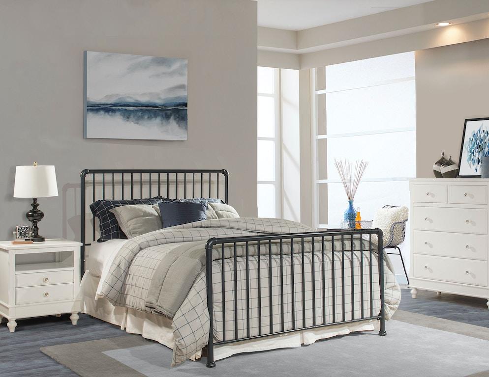 Hillsdale Furniture Youth Brandi Bed Set - Full - Bed Frame ...