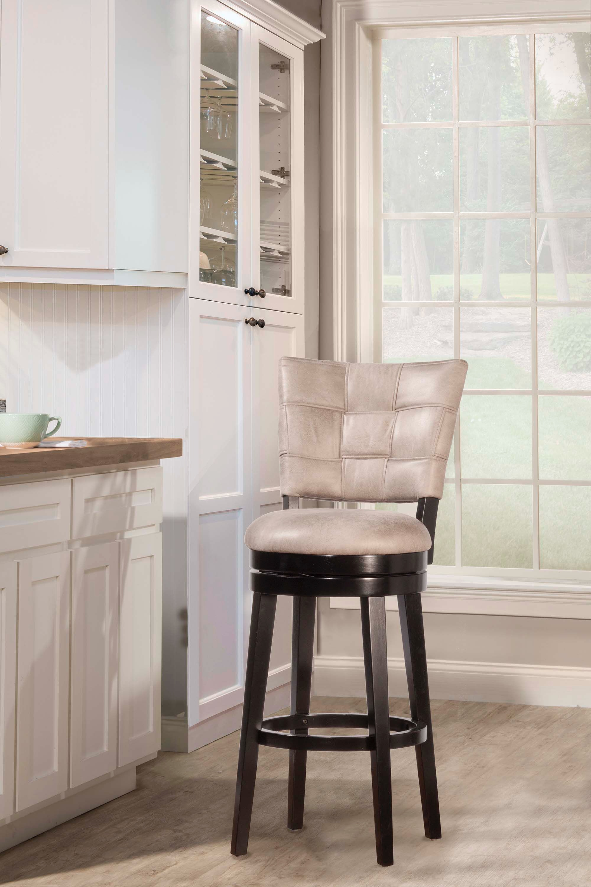 Hillsdale Furniture Bar And Game Room Kaede Swivel Bar Stool 4355 832 At  Naturwood Home Furnishings