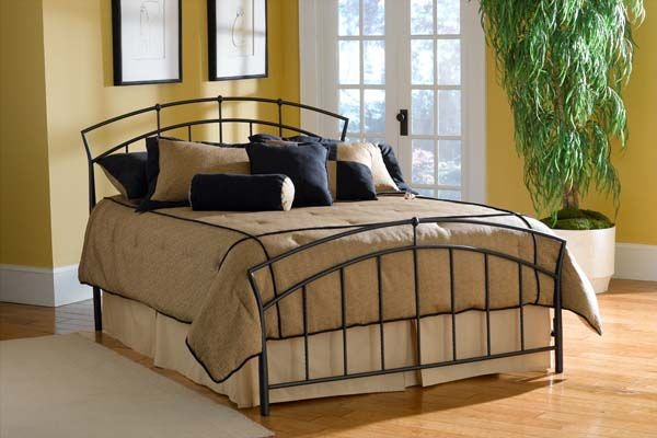 Hillsdale Furniture Bedroom Vancouver Bed Set Queen Rails not included 10