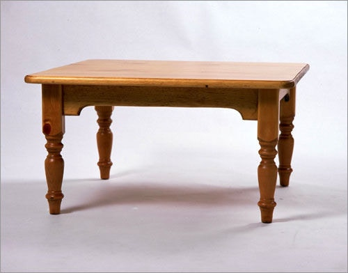 Southern Craftsmenu0027s Guild Square Coffee Table W/Turned Legs 3435