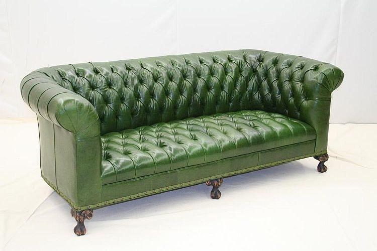 1019 03. Sofa
