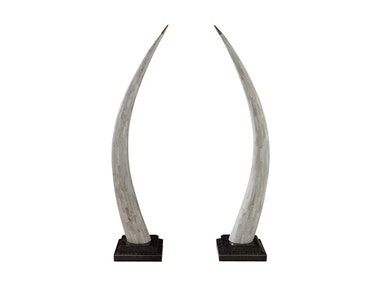 Maitland-Smith Pair Of Clam Stone Inlaid Tusks With Brass Accents On Violet Oyster Shell Base 1000-480