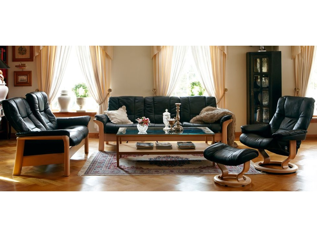 Stressless by ekornes living room stressless mayfair for Fitting furniture in small living room