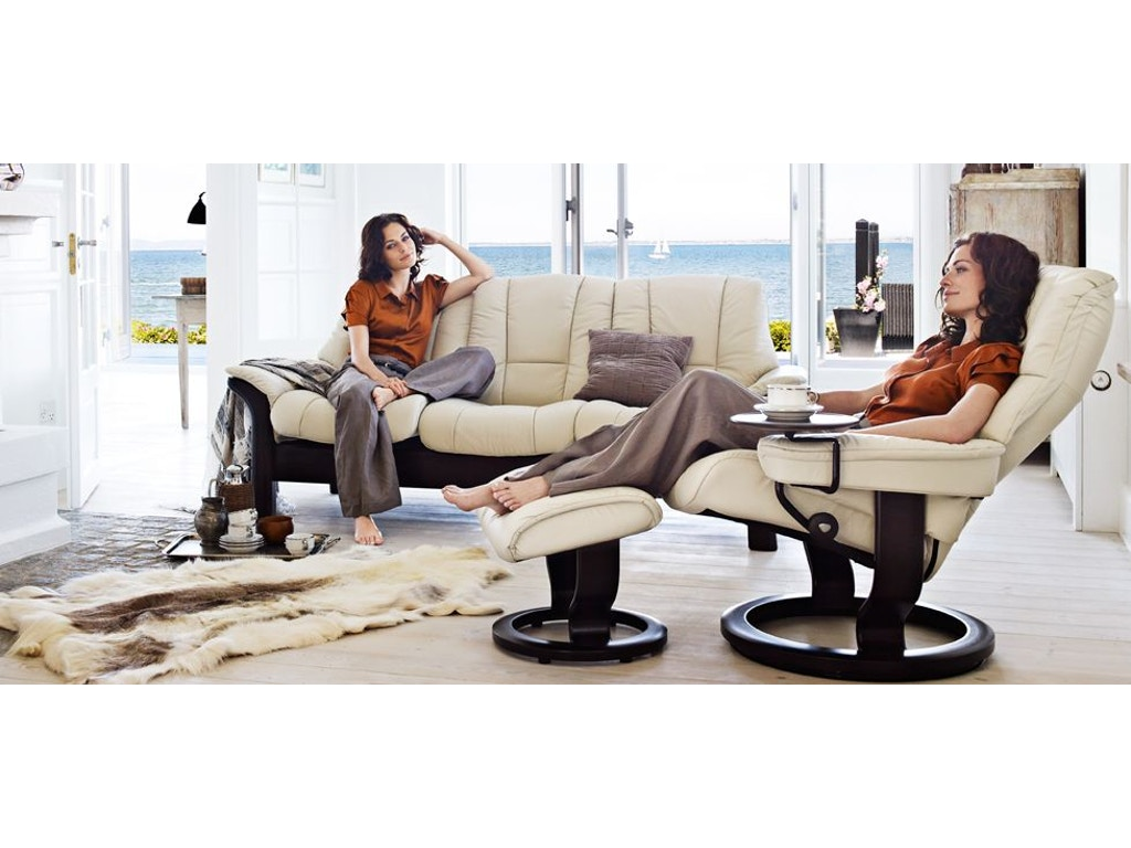 stressless by ekornes living room stressless mayfair small classic base 1059015 blockers. Black Bedroom Furniture Sets. Home Design Ideas