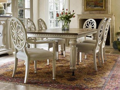 Universal Furniture. 882206