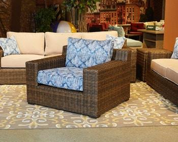 Ashley Lounge Chair W/Cushion P782 820 In Portland, Oregon