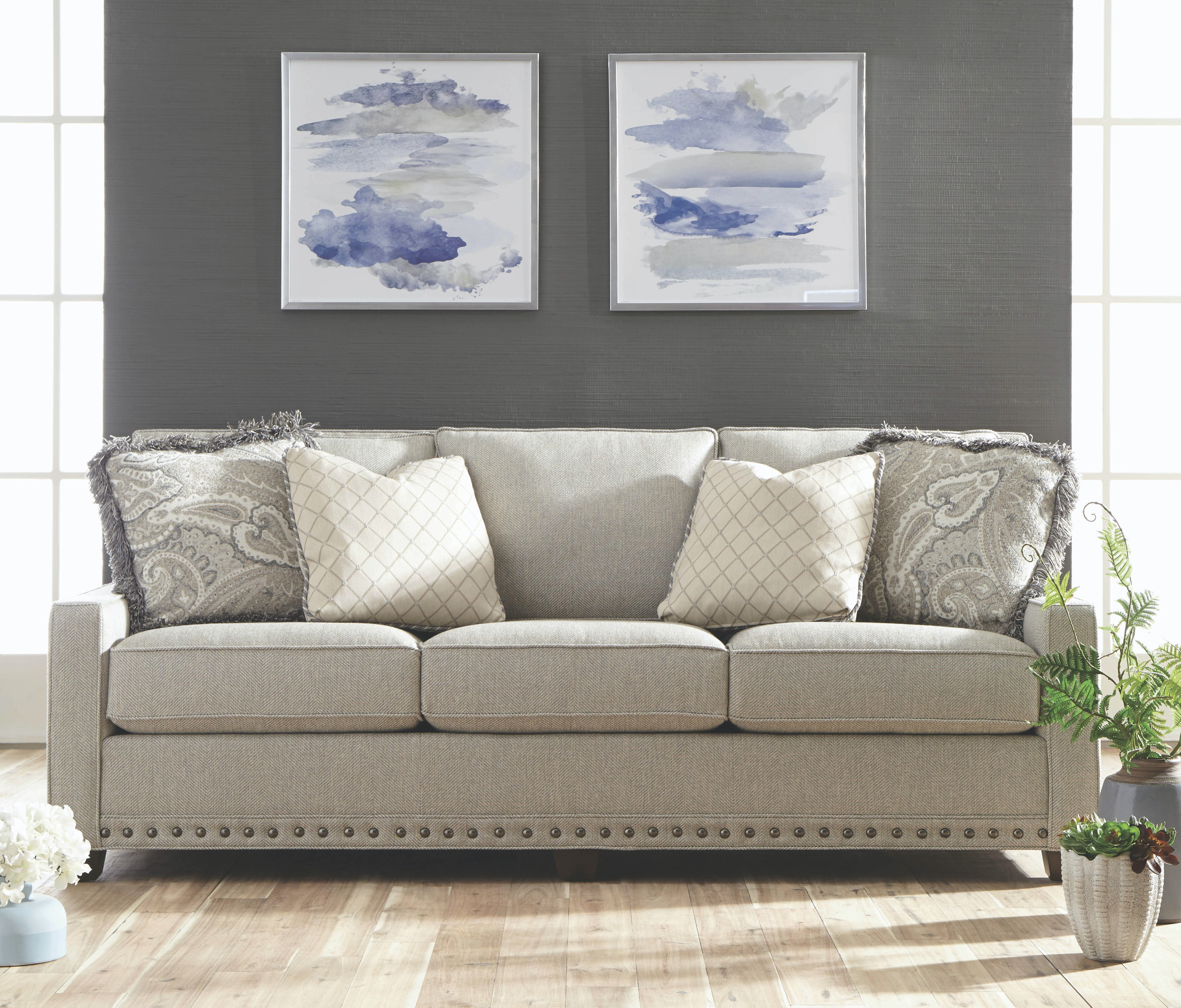 King Hickory Savannah Sofa 1000 BWN