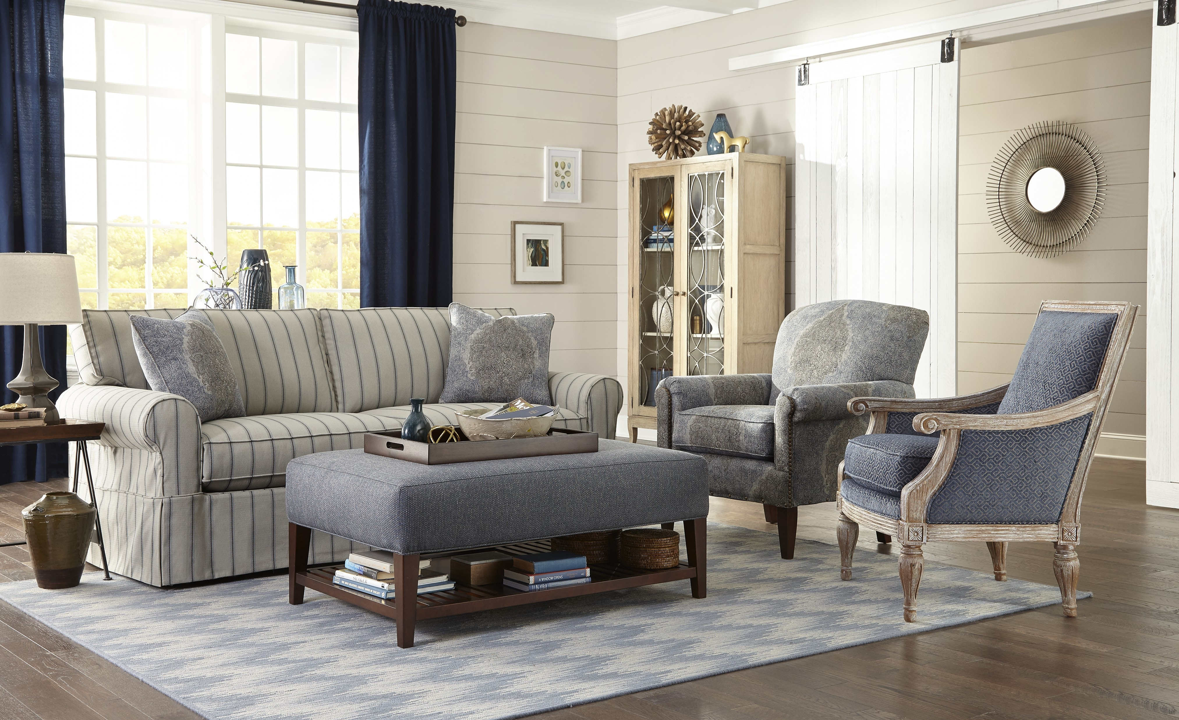 Craftmaster Sofa 922850 (Sleeper Also Available)
