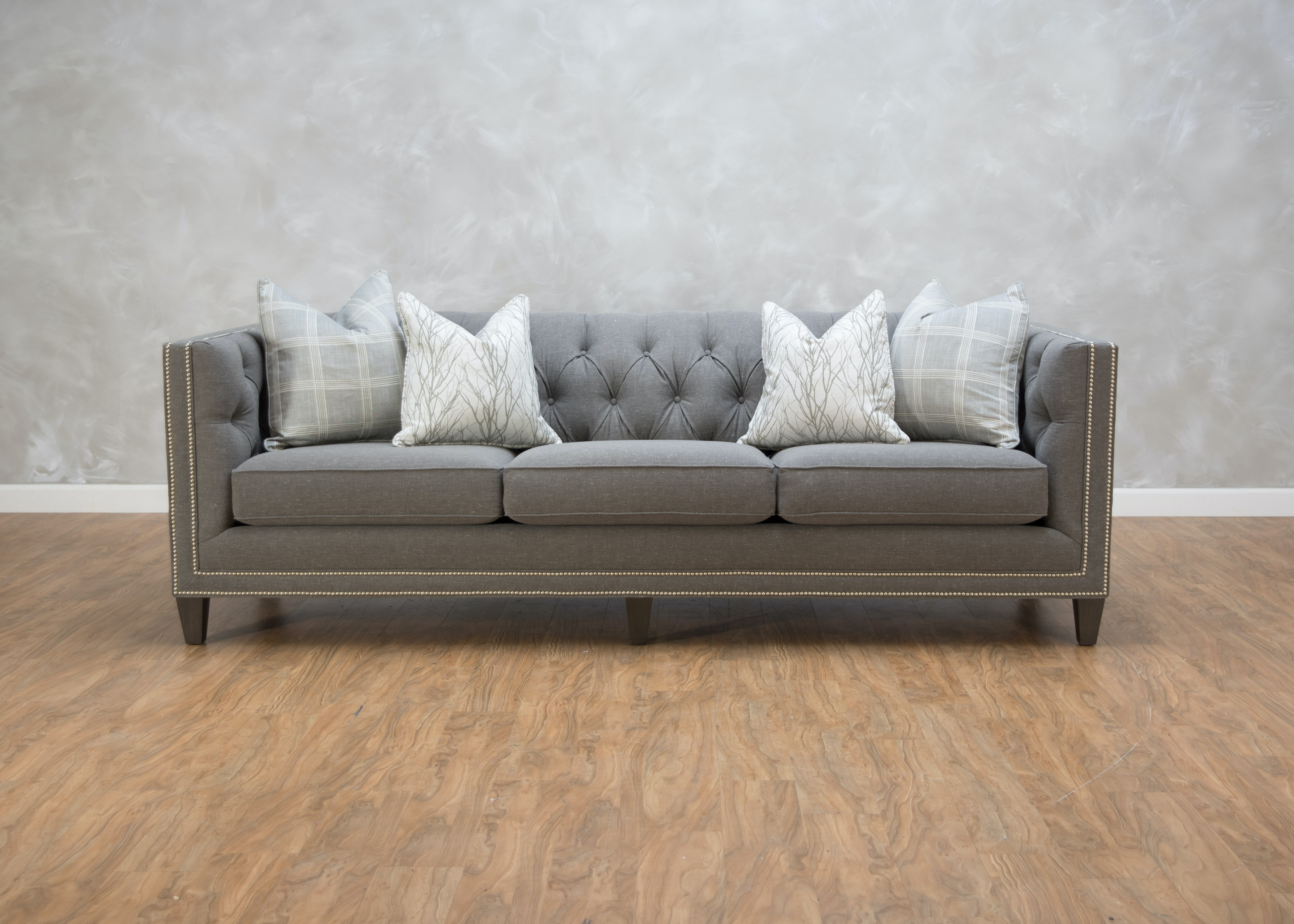 Superbe Smith Brothers Ava Large Sofa 548891