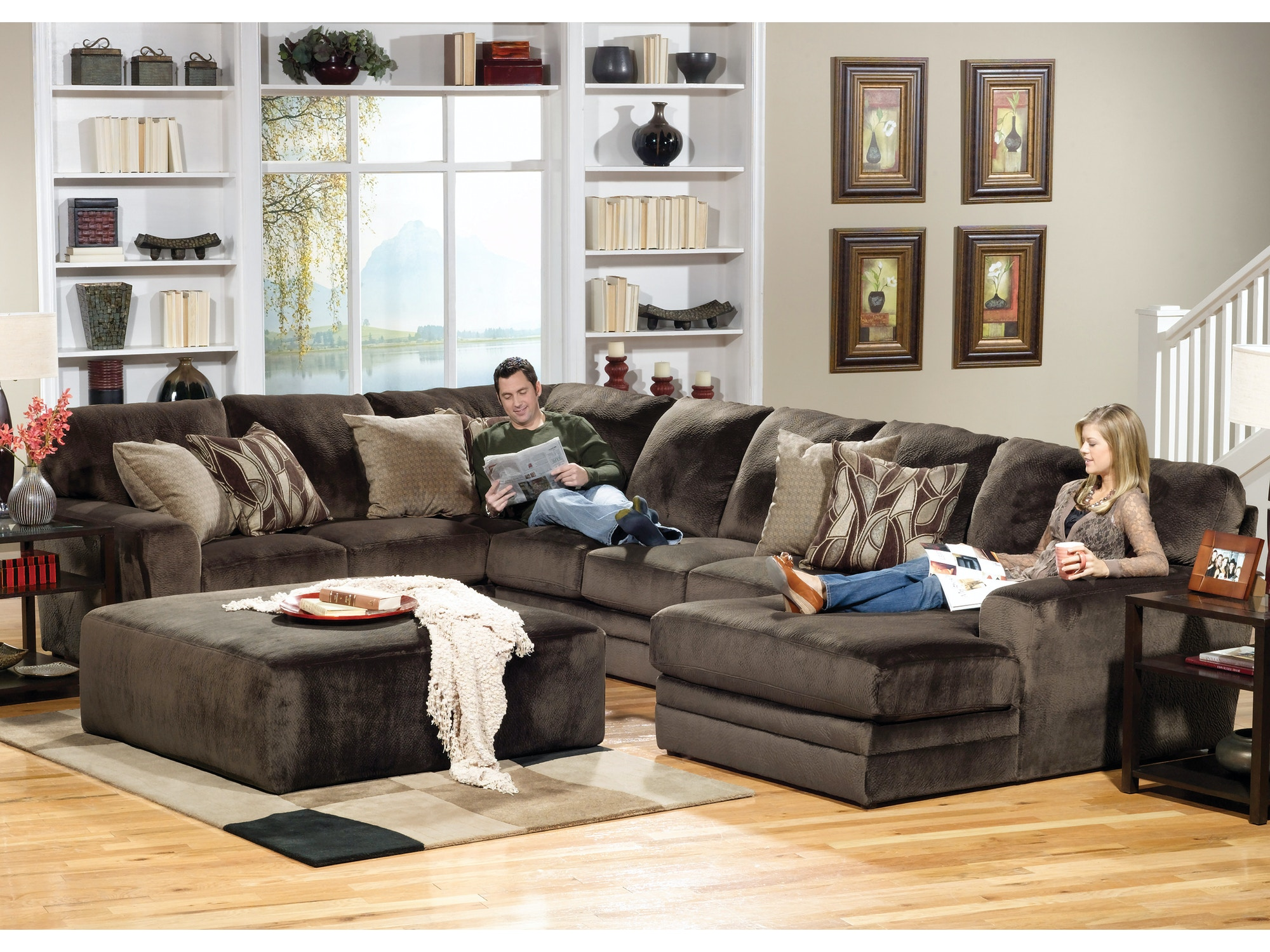 Everest Sectional 032379