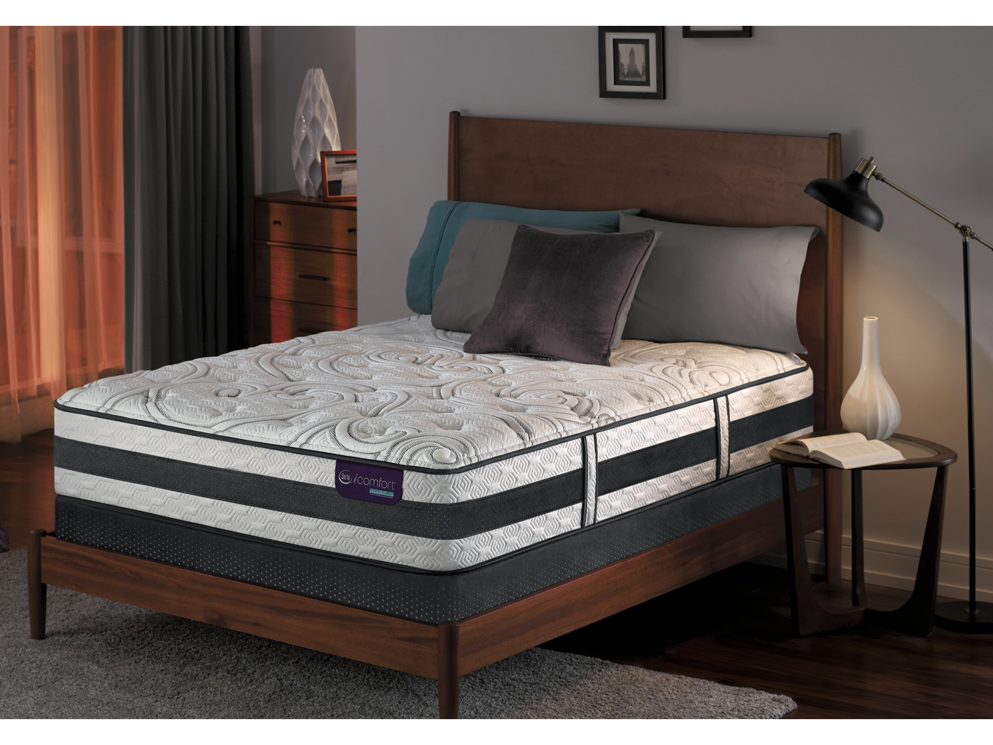 Applause II Plush Mattress Set - Queen 512200