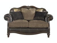 Winnsboro Loveseat 053932