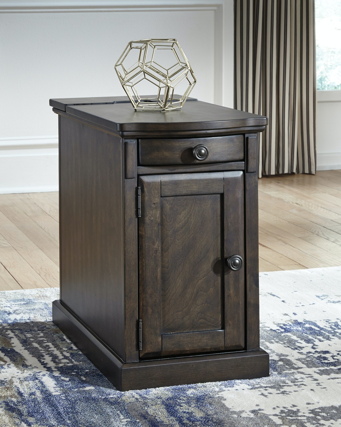 Signature Design By Ashley Laflorn Power Side Table   Grey/Brown 058370