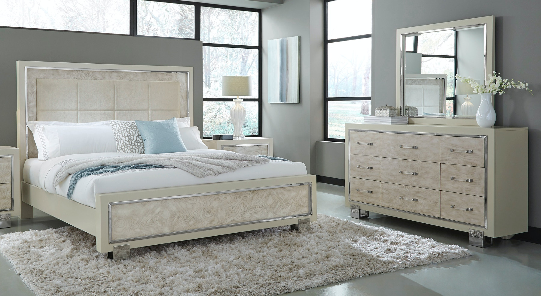 Pulaski Furniture Cydney Bedroom Group Queen 330106