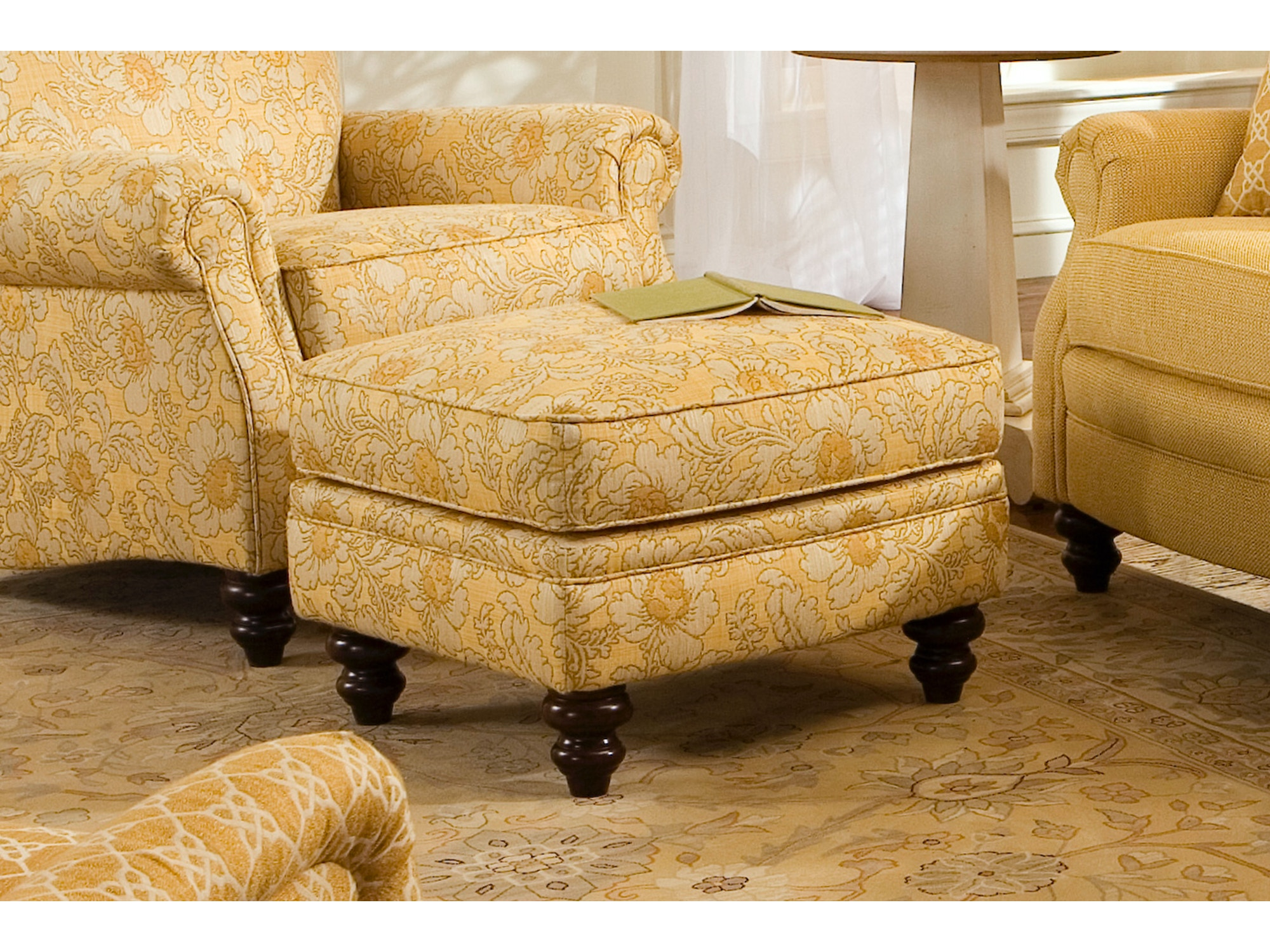 Living Room Ottomans - Furniture Fair - Cincinnati & Dayton OH and ...