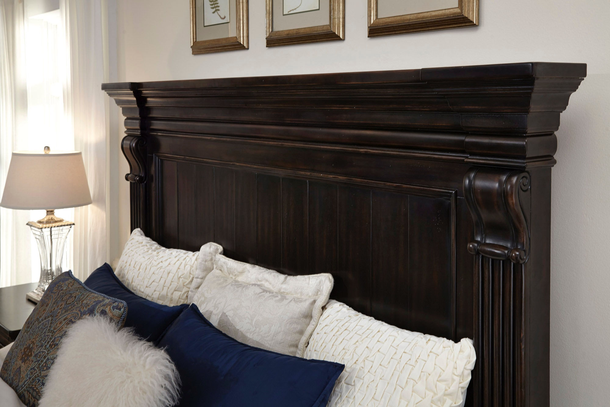 Pulaski Furniture Caldwell Bedroom Group   King 513470