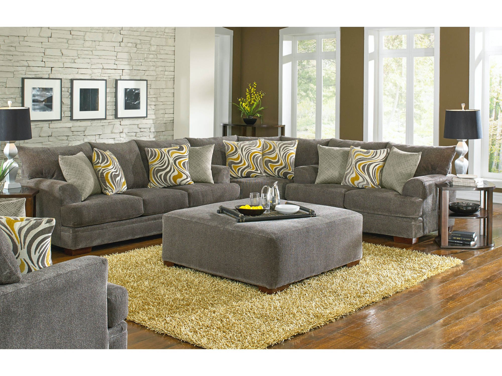 Crompton Sectional with Cocktail Ottoman 619220