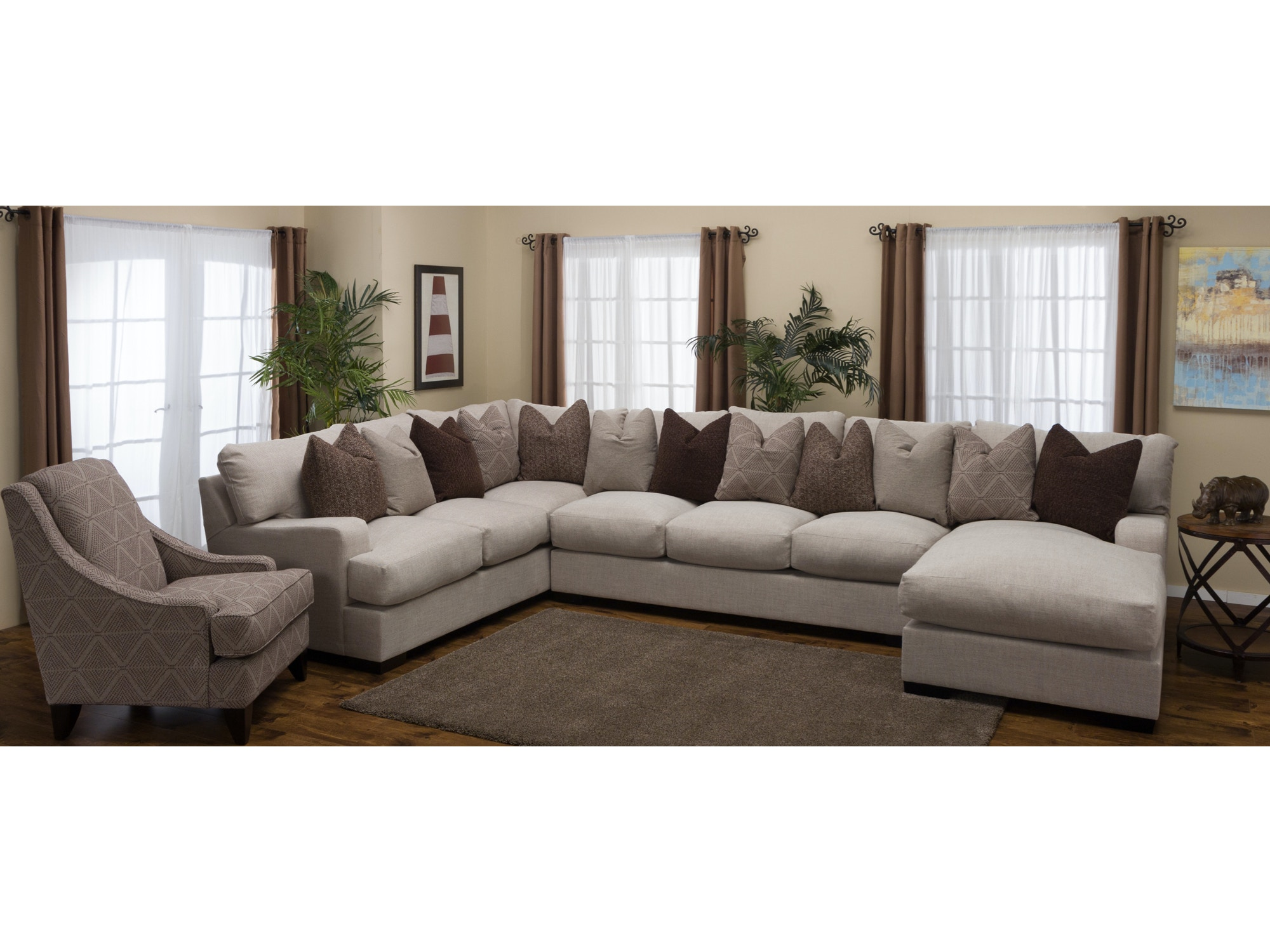 Commander Right Chaise Sectional 893610