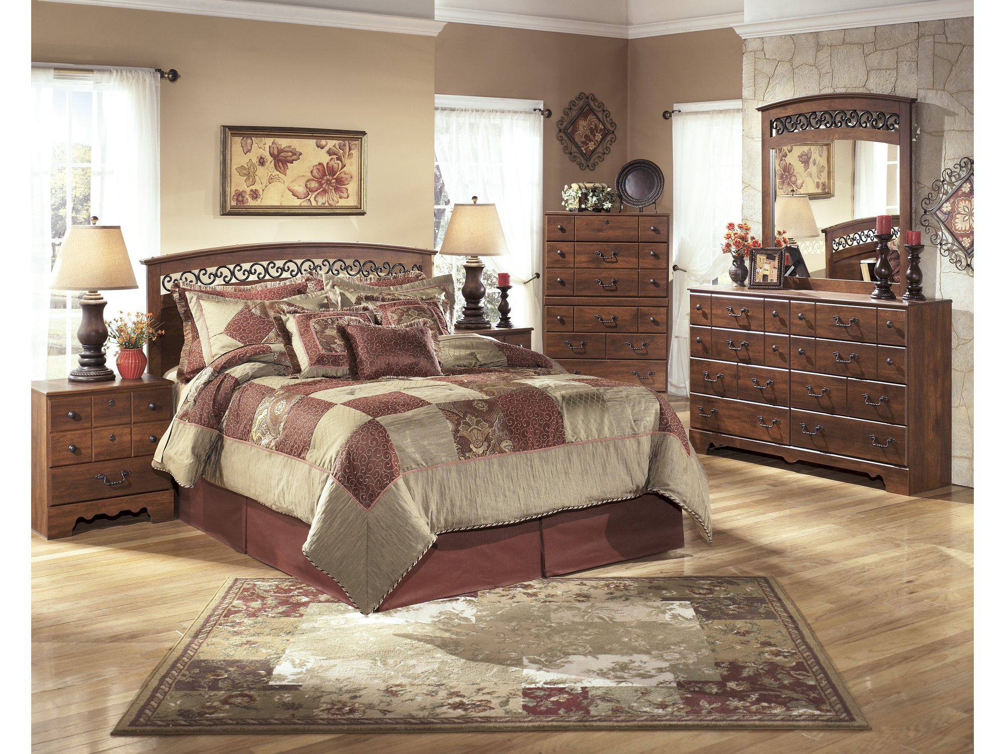 Timberline Bedroom Group - Full/Queen Z82212