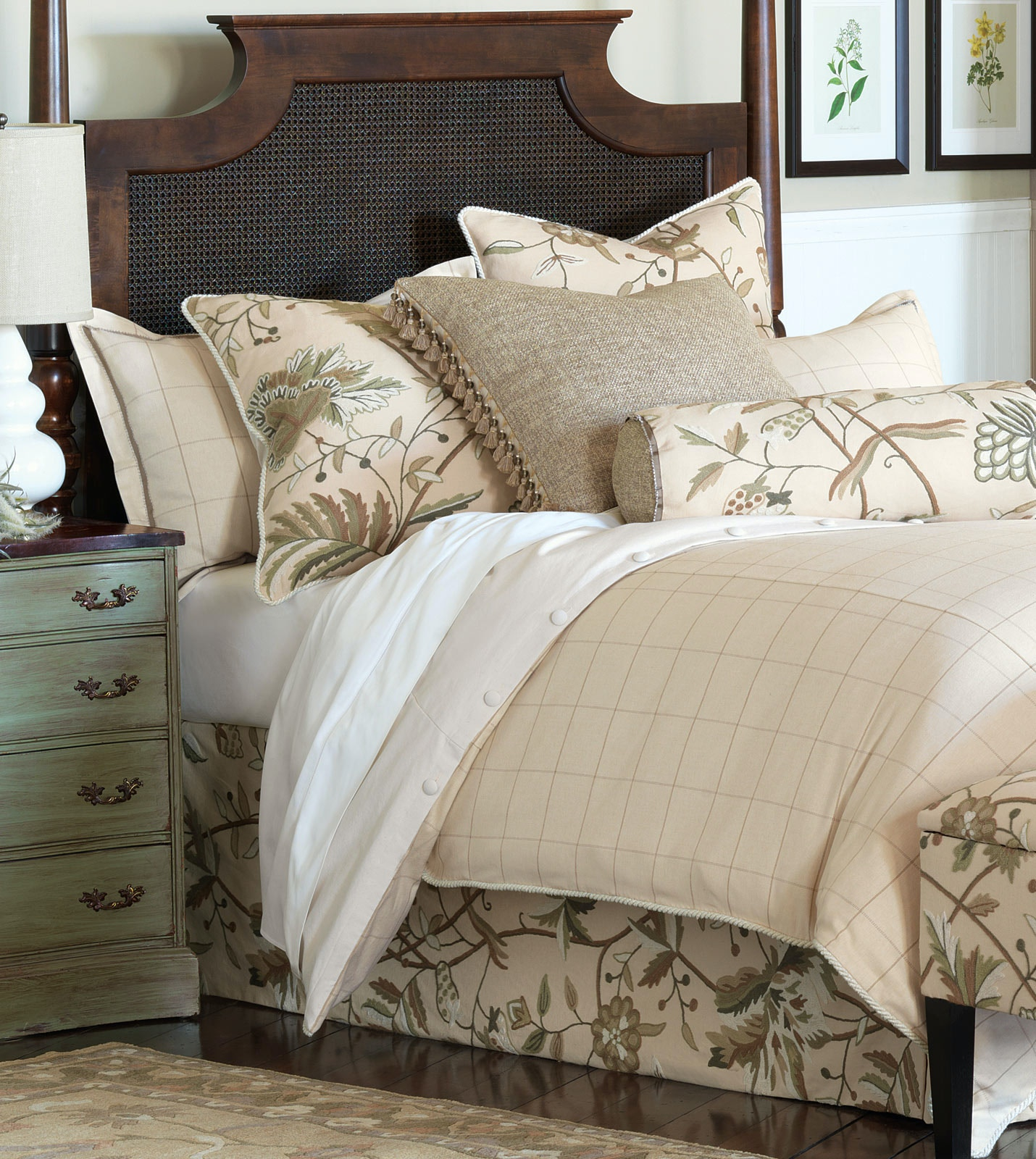 Eastern Accents Gallagher Bed Set