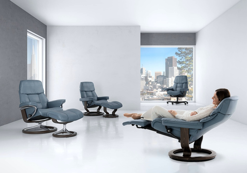Stressless Ekornes Ruby Classic Chair And Ottoman