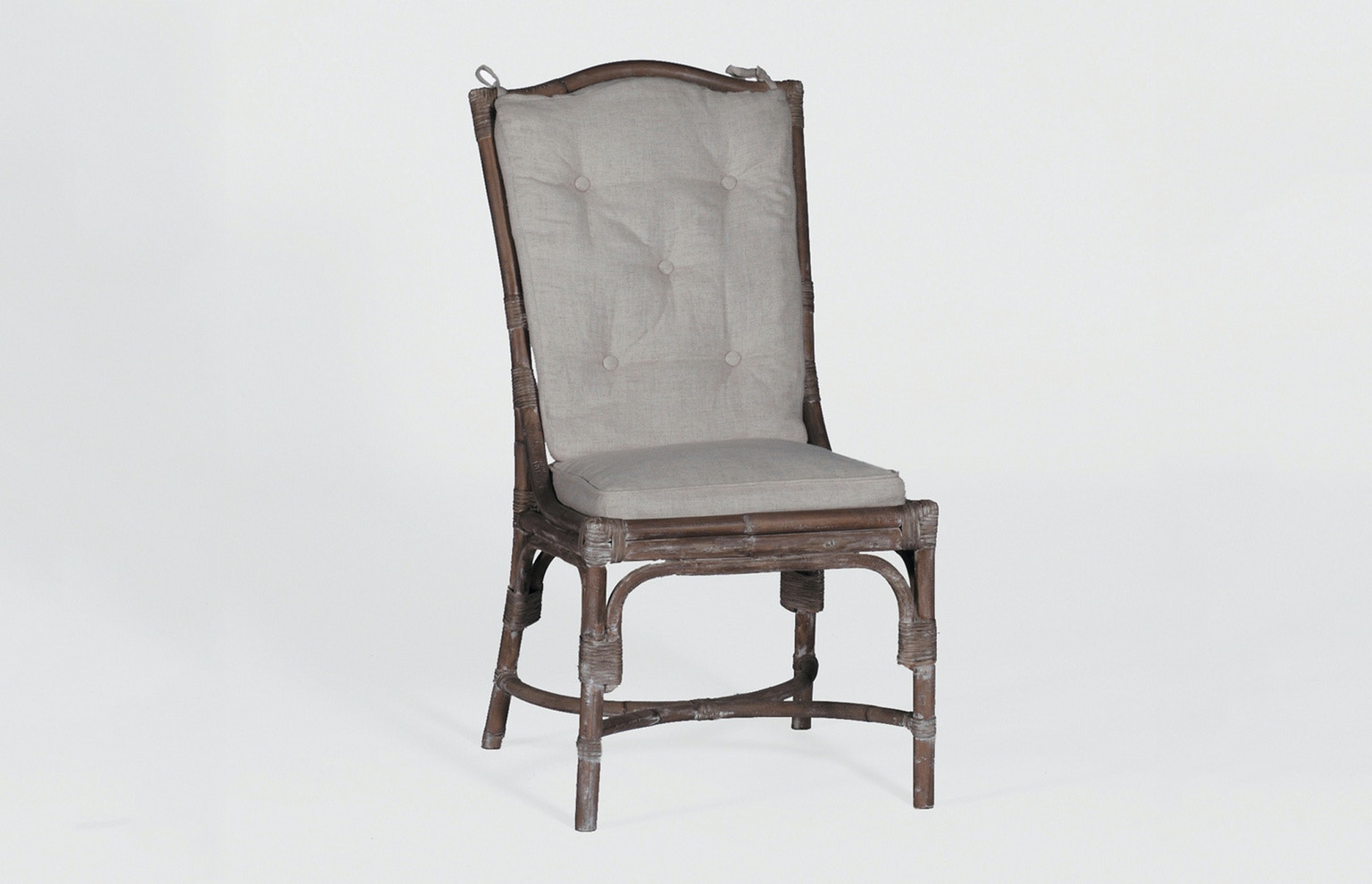 Julianau0027s Private Collection Dining Room Leslie Dining Chair SCH 150190 At  Julianau0027s Furniture Galleries