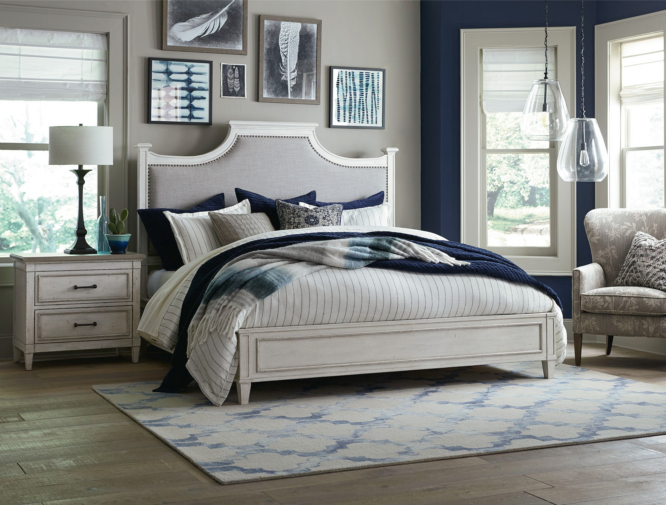 Bassett Bella King Upholstered Bed 742776 83 87