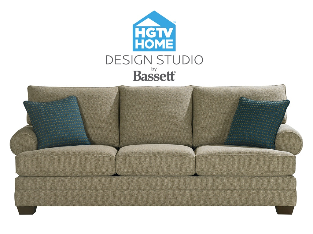 Bassett Great Room Sofa With Pillows 514502