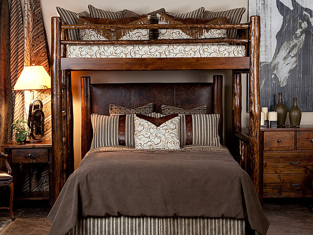 Picture of: Bch Bedroom High Rockies Log Canopy Bed Uinta Bunk Bed Mountain Comfort Furnishings Summit