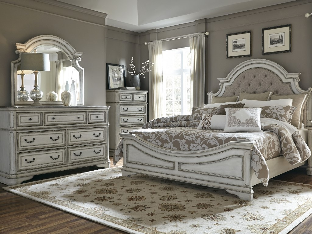 Charming Liberty Furniture Queen Bed 244 BR