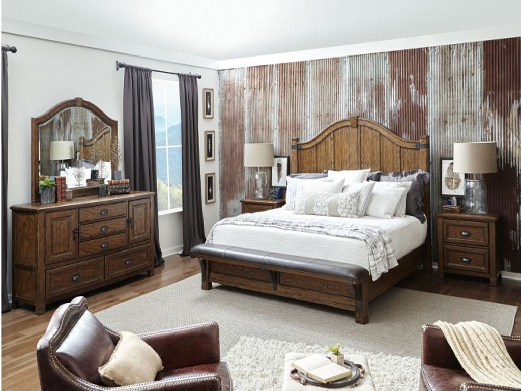 Pulaski Furniture Bedroom Includes Headboard Footboard And Rails Dresser And Mirror P002170 5 Pc