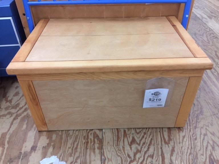 Trendwood Living Room Toy Chest 4783ci Tip Top Furniture