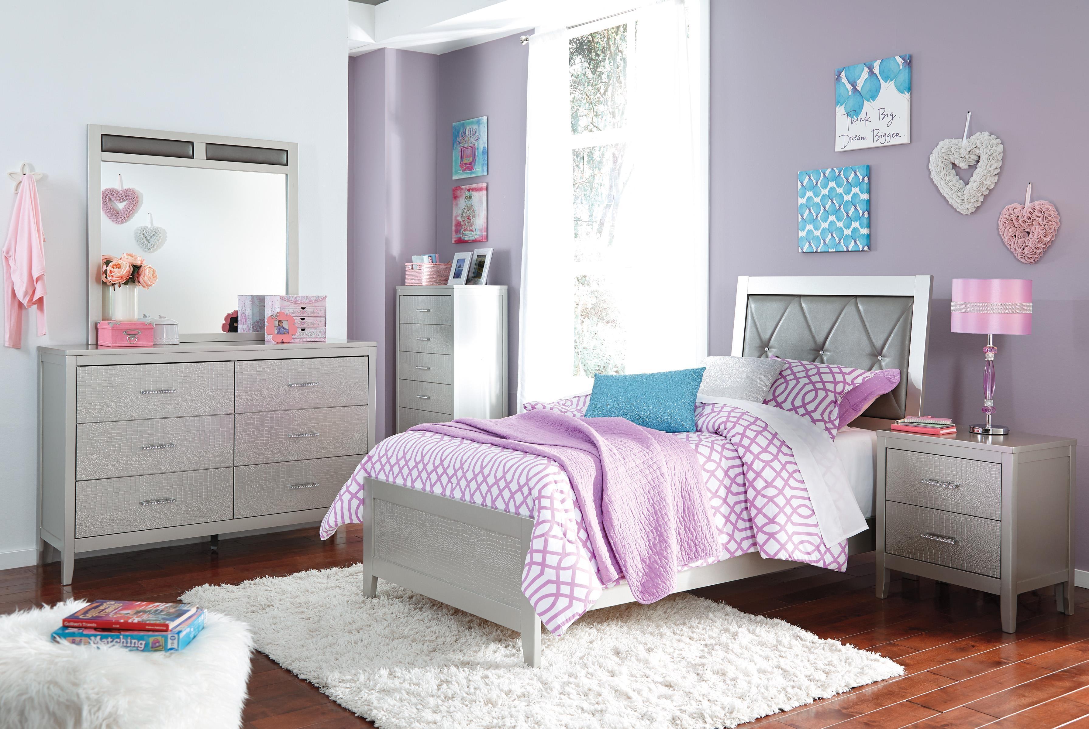 Ashley Olivet 5pc Bedroom Set: Headboard, Footboard, Rails, Dresser, And  Mirror