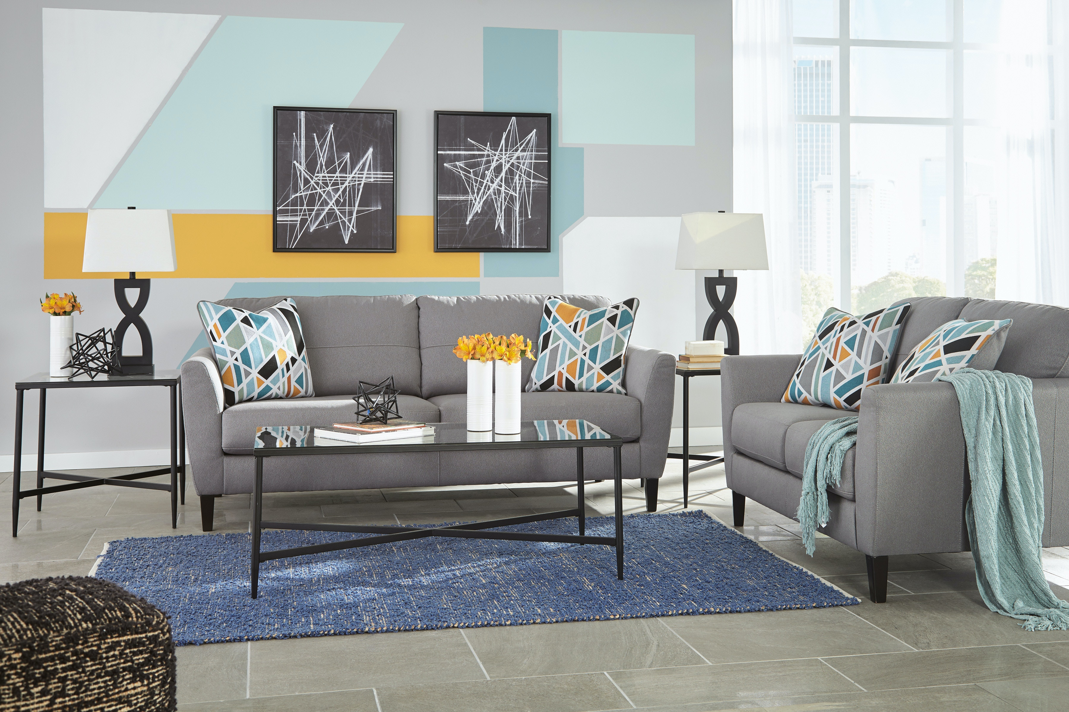 Signature Design By Ashley 5pc Pelsor Apartment Size Sofa, Loveseat, And  3pc Tables.