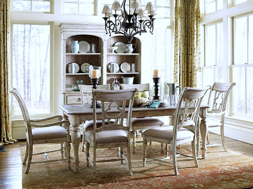 Kincaid Furniture Weatherford Dining Room Set in Cornsilk