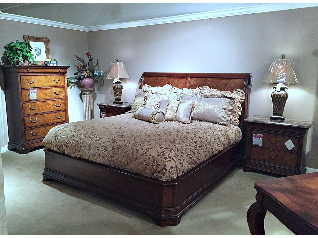 Thomasville Furniture Deschanel Bedroom Set