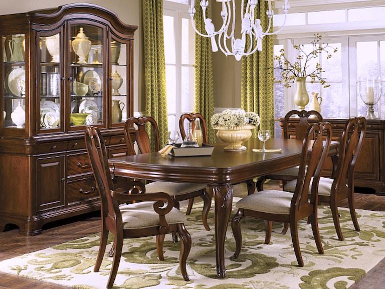 Legacy Classic Evolution Dining Room Set