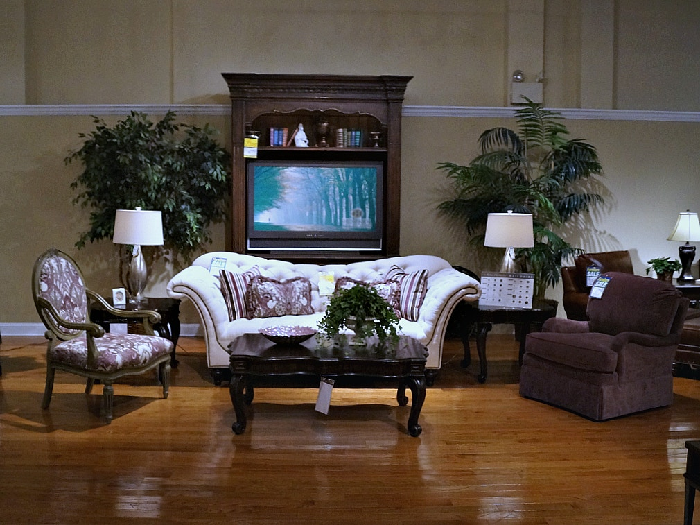 King Hickory Alicia 3 Pc. Set. Living Room CLEARANCE ...