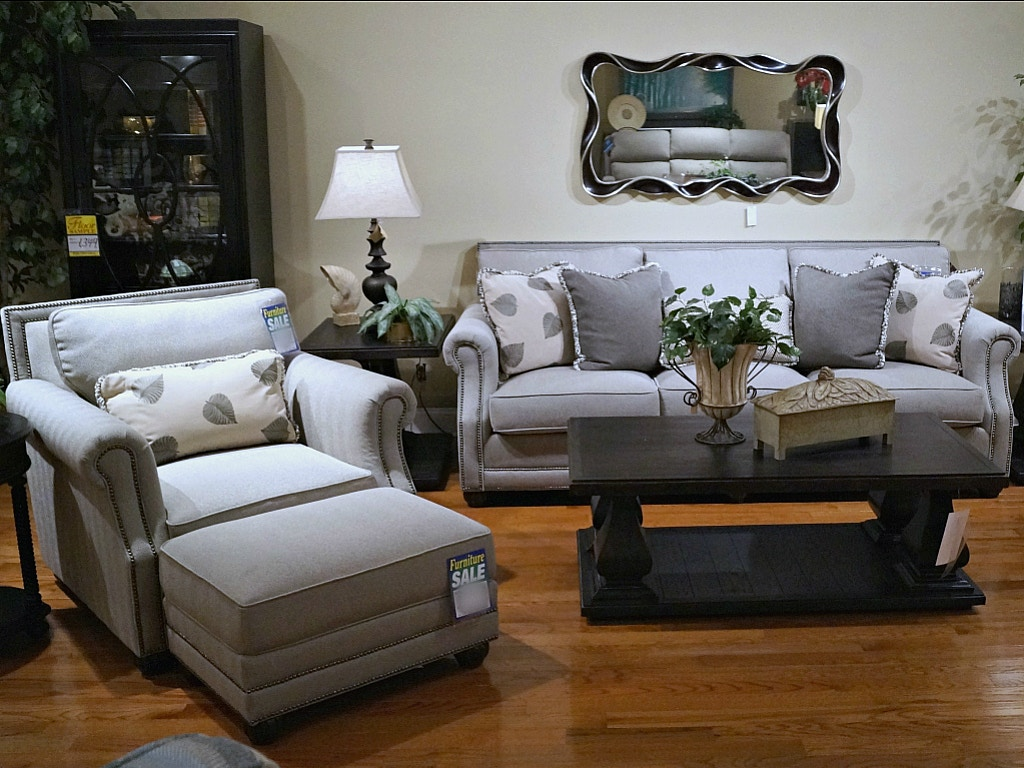 Clearance Living Room CLEARANCE $2,499.00 Plus Delivery Charge (on  Clearance Items Only) King Hickory