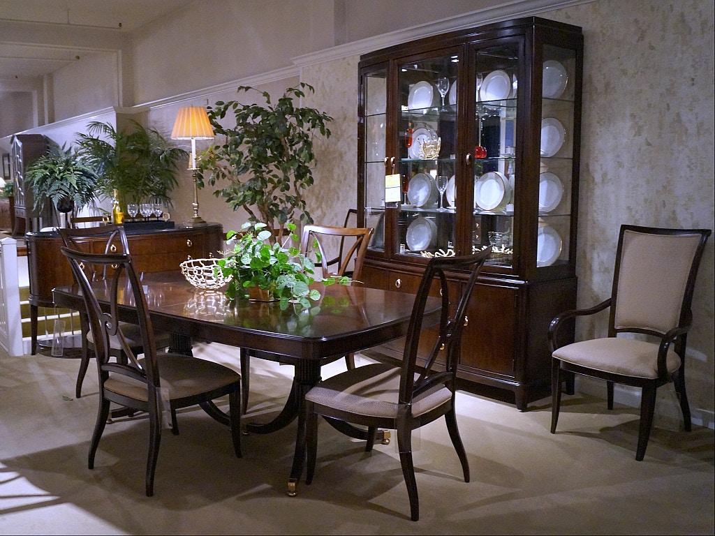 Thomasville Studio 455 9 Pc Dining Room Set