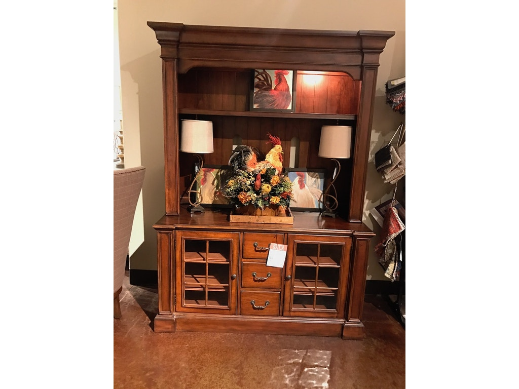 hooker furniture living room console and hutch p2055530 swann 39 s furniture tyler tx. Black Bedroom Furniture Sets. Home Design Ideas