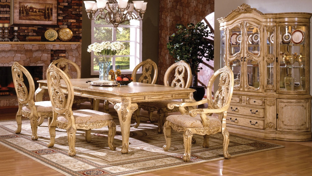Dining Room Formal Table