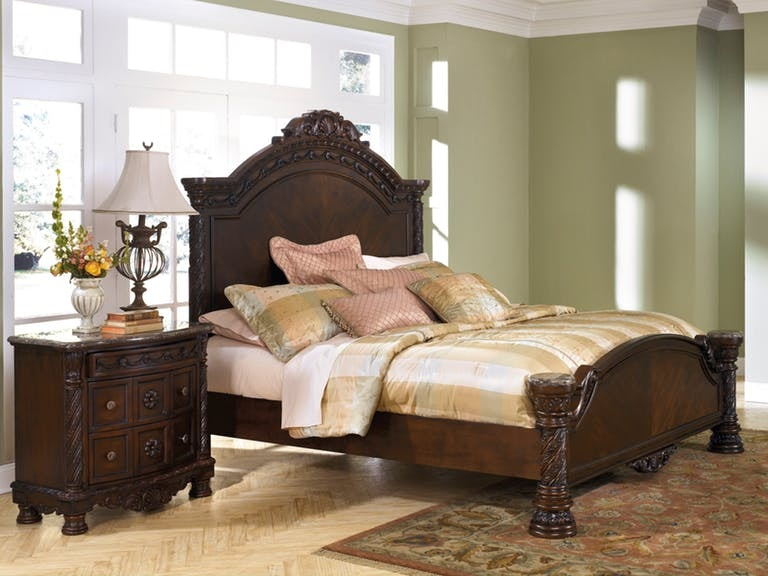 Millennium North Shore King Panel Bed B553 256/158/197