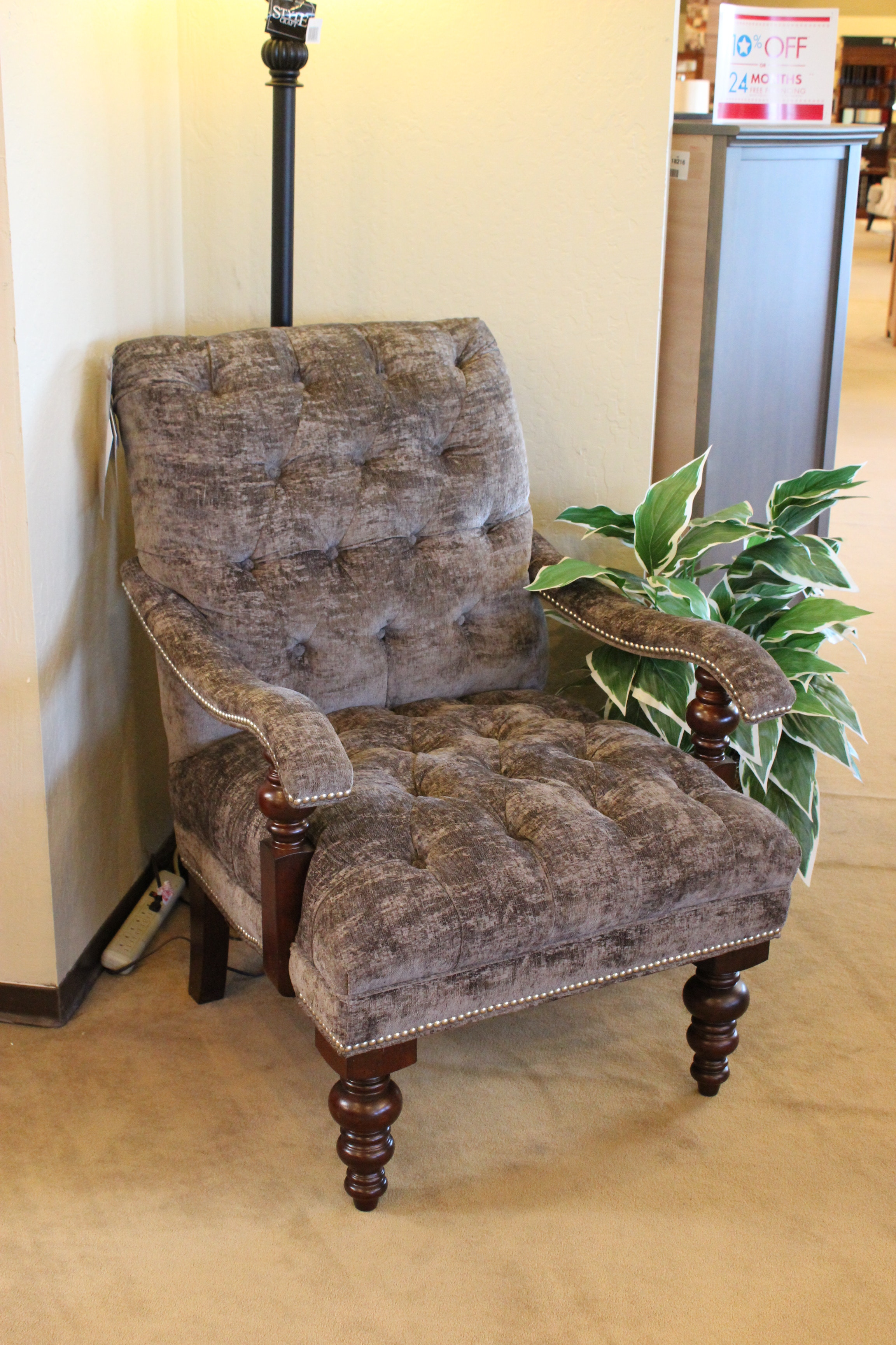 Charmant Clearance Accent Chair 730541